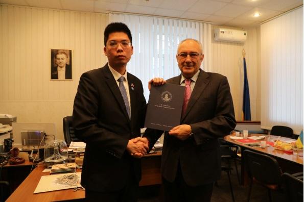 乌克兰留学中心正式代表格里埃尔基辅音乐学院在中国招生933.JPG