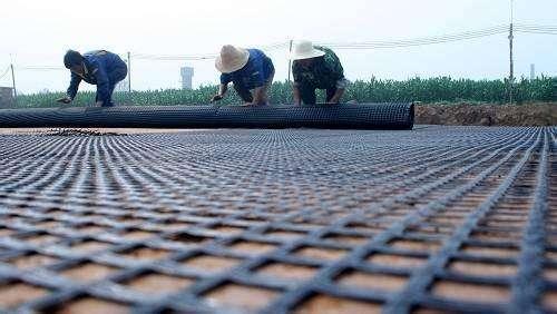 钢塑格栅施工