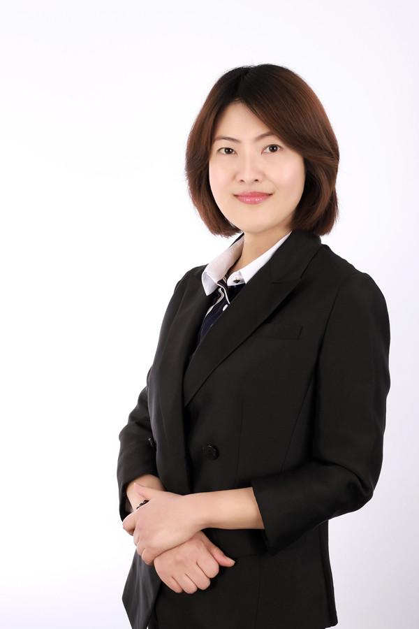 资深海外房产顾问 Angela