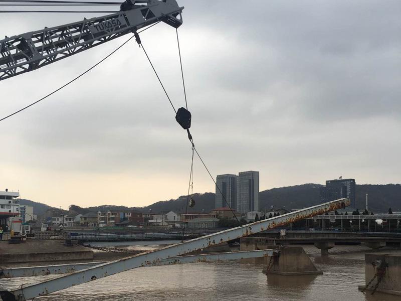 码头设备吊装