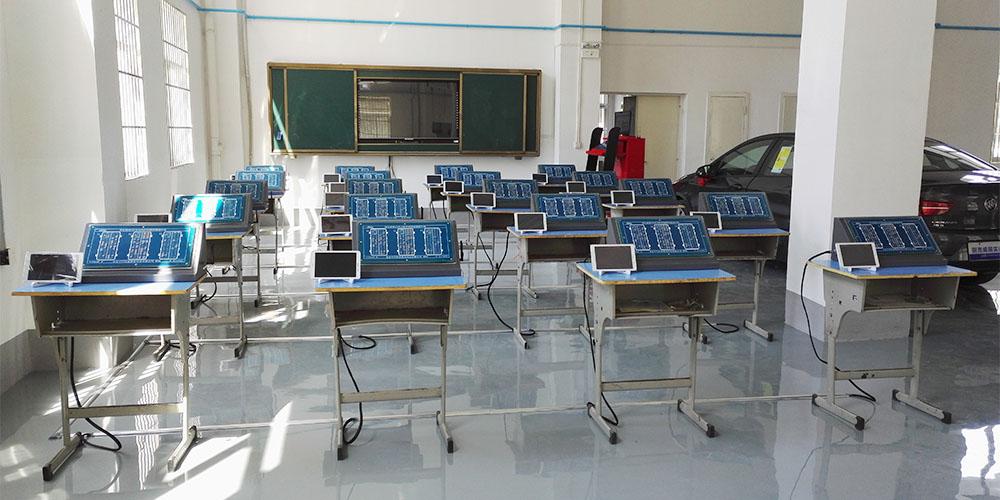 威朗整车发动机交互式理实一体化实训室
