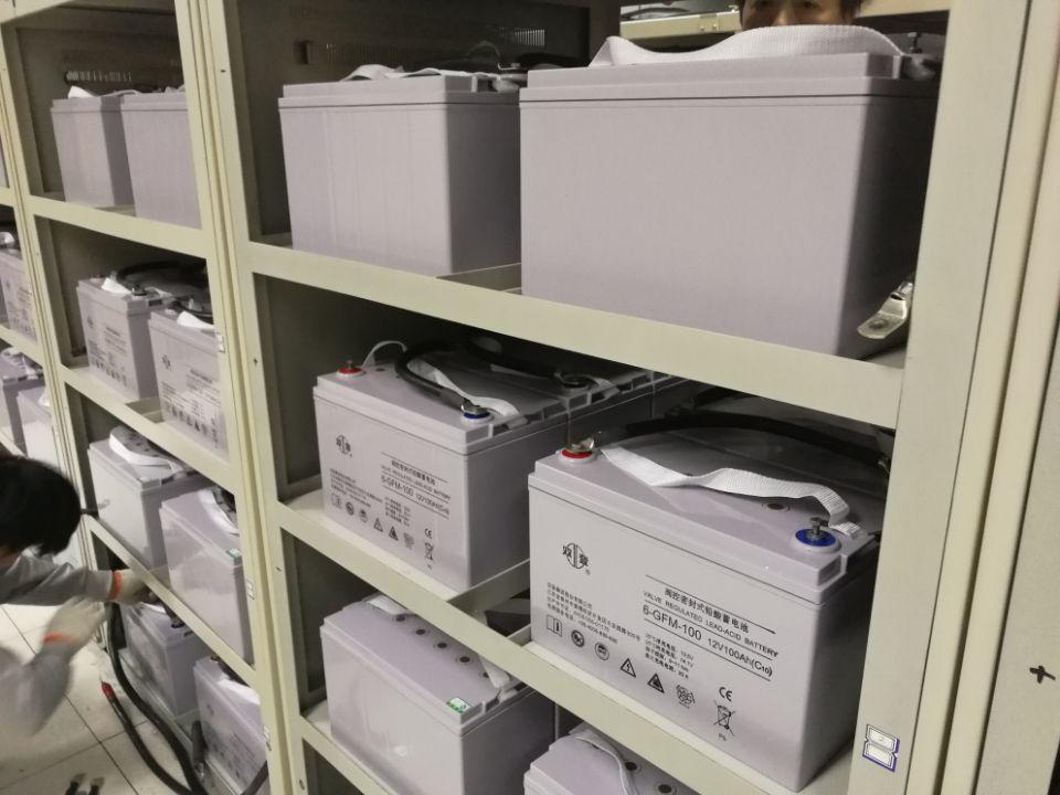 双登UPS蓄电池安装